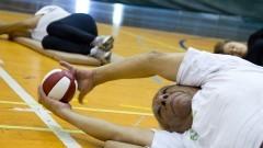 Idosos fazendo atividade física. Foto: Marcos Santos/USP Imagens