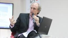 """Debate """"Processo Eleitoral da USP"""". Martin Grossmann diretor do IEA. Foto: Marcos Santos/USP Imagens"""