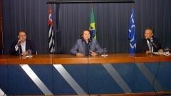Prof. Gil da Costa Marques, Prof. Mássimo Di Feliche e Prof. Helcio Chaves Filho, participando do debate Ciclo USP 2.0. Foto: Cecília Bastos/Jornal da USP