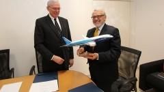 Assinatura do Convênio entre a USP e a Boeing. Foto: Marcos Santos/USP Imagens