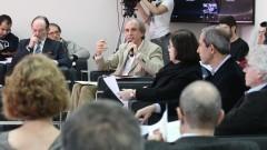 Mediação  de Martin Grossmann, diretor do IEA. Foto: Marcos Santos/USP Imagens