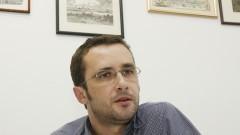 Professor Paulo Eduardo Brandão do Laboratório de Raiva. Foto: Marcos Santos/USP Imagens