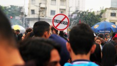 Cartaz contra terceirização, greve geral 2017 – George Campos / USP Imagens
