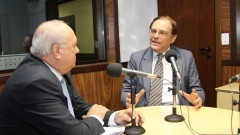Milton Parron entrevista o professor João Grandino Rodas, reitor da USP (gestão 2010 -2013) em estúdio da Rádio USP (SCS). Foto: Marcos Santos / USP Imagens