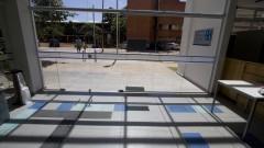 Vista da entrada principal da nova Biblioteca da Faculdade de Educação (FEUSP) e ao fundo um dos blocos da FEUSP. Foto: Marcos Santos / USP Imagens