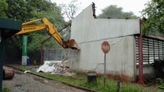 Demolição do Barracão