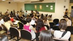 Ingressos do IRI realização a matrícula no instituto. Foto: Marcos Santos/USP Imagens