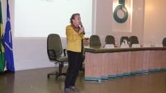 """Pesquisadora Daria Mochly-Rosen, professora do Departamento de Química e Biologia Sistêmica de Stanford (EUA) em apresentação sobre o """"Programa Supernova"""" no Instituto de Ciências Biomédicas III (ICB III). O Programa propõe novas maneiras de ensinar e pesquisar. Foto: Marcos Santos / USP"""