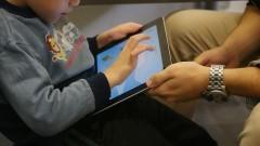 Criança com autismo passa por atendimento no Instituto de Psicologia (IP). Foto: Marcos Santos/USP Imagens