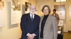 Antonio F. Costella. Fundador e Diretor Geral do Museu da Xilogravura e Leda Campestrin Diretora Técnica. Foto: Marcos Santos/USP Imagens