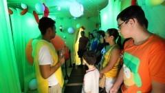 Público atento às explicações do monitor dentro da Célula Gigante do IB (Instituto de Biociências) durante a primeira edição da Virada Científica da Universidade. Foto: Marcos Santos / USP Imagens