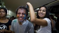 Calouros participam do trote na FFLCH - Faculdade de Filosofia, Letras e Ciências Humanas. Foto: Marcos Santos/USP Imagens