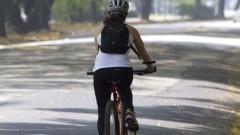 Ciclista circula na Avenida Professor Mello Moraes. Foto: Marcos Santos/USP Imagens