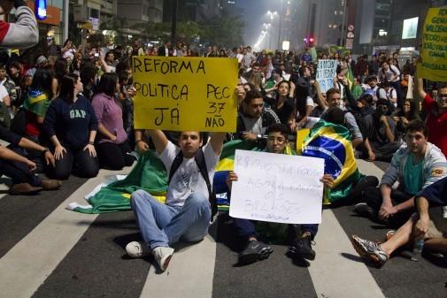 Manifestação na Avenida Paulista dia 20 de junho de 2013