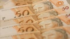 Fileira de cédulas de R$ 50,00 (cinquenta reais). Foto: Marcos Santos / USP Imagens