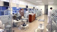Clínica da Faculdade de Odontologia de Ribeirão Preto em 2005. Foto: Hermano Teixeira Machado/FORP