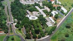 Foto aérea da Faculdade de Odontologia de Ribeirão Preto em 2005. Foto: Hermano Teixeira Machado/FORP