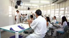 Laboratório multidisciplinar da Faculdade de Odontologia de Ribeirão Preto em 2005. Foto: Hermano Teixeira Machado/FORP