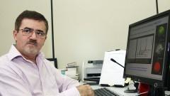 Prof. Hermi Felinto de Brito, do Instituto de Química.