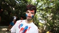 Calouro com rosto pintado durante o primeiro dia de matrículas na Faculdade de Economia, Administração e Contabilidade (FEA). Foto: Marcos Santos/USP Imagens