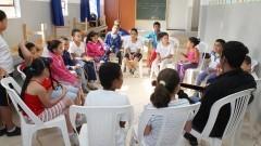 Aula de Música para crianças no Clube de Mães Novo Recreio em Guarulhos. Foto:Marcos Santos/USP Imagens