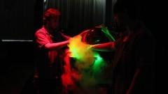 O Show de Física constitui-se de uma série de demonstrações abordando diversos assuntos interessantes sobre a Física. Foto: Marcos Santos/USP Imagens