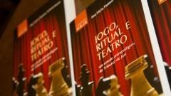 Jogo, Ritual e Teatro. Livro da Professora ana Lúcia Pastore Schritzmeyer. Foto: Marcos Santos/USP Imagens