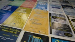 Detalhe de cartazes de eventos realizados pelo Observatório USP de Educação e Pesquisa Contábil. Foto: Marcos Santos / USP Imagens
