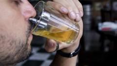 Homens alcoólatras. Foto: Marcos Santos/USP Imagens