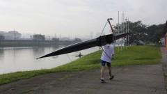 Praticante de remo na raia olímpica da USP. Foto: Marcos Santos/USP Imagens