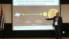 Professor Jorge Meléndez do IAG faz parte da equipe internacional de astrônomos identificaram uma estrela gêmea do Sol, denominada HIP 102152, que está localizada a aproximadamente 250 anos-luz de distância da Terra. Foto: Marcos Santos/USP Imagens