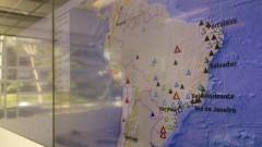 Detalhe das Estações Sismográficas nas telas de monitoramento do Centro de Sismologia do Instituto de Astronomia, Geofísica e Ciências Atmosféricas (IAG). Nas estações existe um sistema de detecção automática de tremores de terra em tempo real. Foto: Marcos Santos / USP Imagens