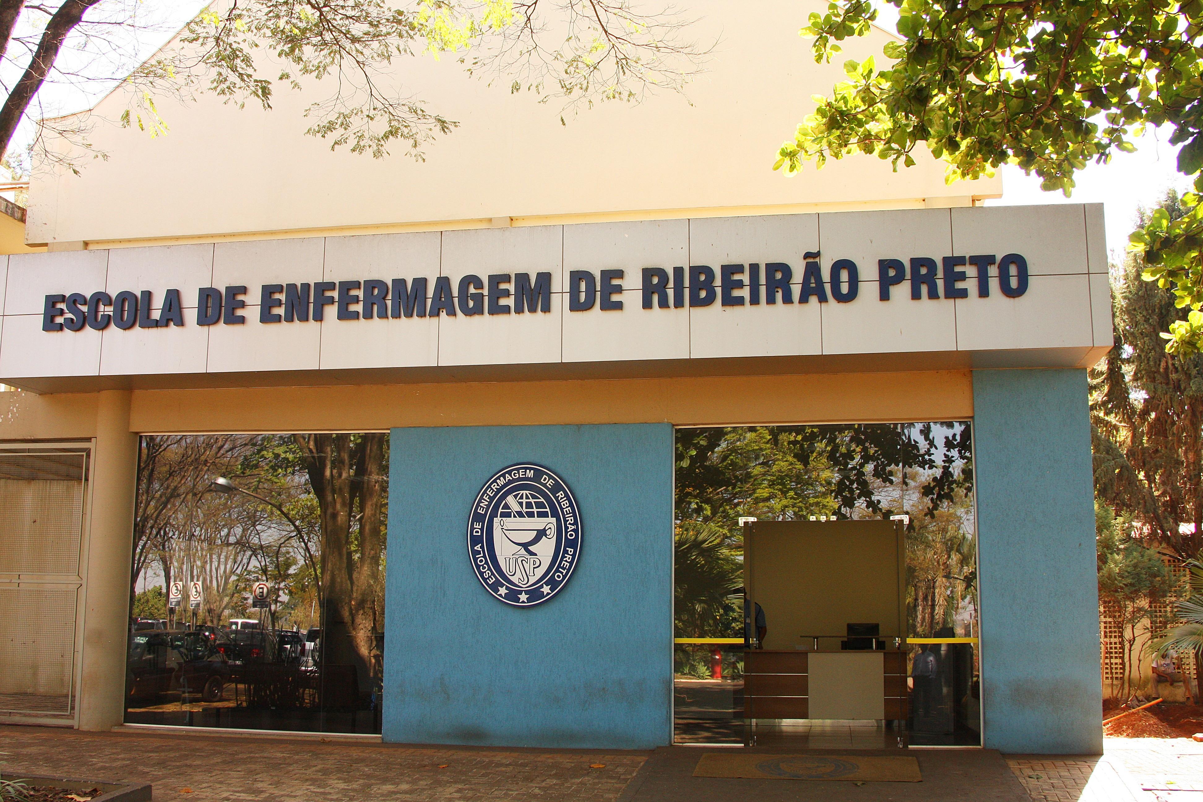 Faculdade auxiliar de enfermagem