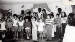 Pacientes crianças (década de 70) realizando atividades de recreação (canto) no HRAC – Hospital de Reabilitação de Anomalias Craniofaciais (Centrinho) em Bauru – SP. Foto: Arquivo HRAC