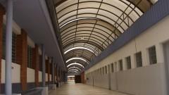 Corredor de prédio do Campus de Bauru. Foto: Marcos Santos/USP Imagens