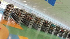Biblioteca recebe novas estantes. Foto: Gabriel Almeida/ EACH