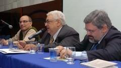 Roberto Castro, Jean Lauand e Paulo Ferreira da Cunha. Foto: Francisco Emolo / Jornal da USP