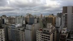 Detalhe de vista do alto (telhados) de prédios da região central da cidade de São Paulo. Foto: Cecília Bastos/Jornal da USP
