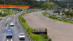 reg. 048-16 Enchente na Zona Leste. Avenida e Rio Aricanduva, na zona leste de São Paulo, após chuvas.  24/02/2016 Foto Marcos Santos/Jornal da USP