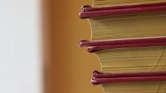 Detalhe de Livros guardados em estante. 29/07/2016 Foto: Marcos Santos/USP Imagens
