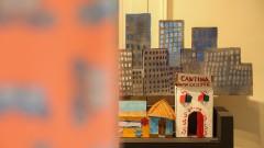"""CPC - Centro de Preservação Cultural. Casa de Dona Yayá. Exposição Cores do Bixiga. Trabalhos de moradores da região da Bela Vista. Esboço dos participantes da oficina """"Infinitas Cores do Bixiga"""". 2016/12/19 Foto: Marcos Santos/USP Imagens"""