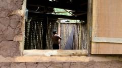 Antonio Carlos Lopes Souza ajuda na construção da Casa de Cultura Indígena. IP - Instituto de Psicologia.  2017/02/14 Foto: Marcos Santos/USP Imagens