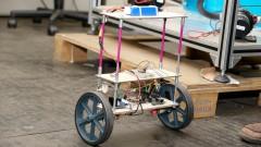 Poli - Escola Politécnica. Laboratório de Controle Aplicado. Bruno Augusto Angélico explica o funcionamento do Robô Auto-equilibrado. 2017/02/09 Foto: Marcos Santos/USP Imagens