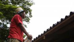 Sebastião Moreira ajuda na construção da Casa de Cultura Indígena. IP - Instituto de Psicologia.  2017/02/14 Foto: Marcos Santos/USP Imagens