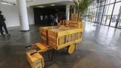 32ª Bienal de São Paulo - Incerteza Viva. Transnômades, Opavivará - coletivo artístico que faz uso de elementos do cotidiano para modificar a dinâmica dos espaços onde se insere. 2016/09/05 Foto: Marcos Santos/USP Imagens