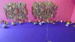 32ª Bienal de São Paulo - Incerteza Viva. Parte de referências da pintura para compor cenas de retratos que se relacionam com a cultura popular e o forte contexto de violência característico dde diversas comunidades em Kingston, Jamaica, Ebony G. Patterson. 2016/09/05 Foto: Marcos Santos/USP Imagens