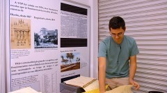 Higienização nos documentos no Serviço de Arquivos da USP (SAUSP). Foto: Cecília Bastos/Jornal da USP