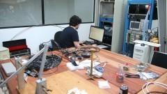Detalhe do Laboratório do Grupo de Íons Pesados Relativísticos do Instituto de Física (IFUSP) testa o Chip Sampa. Foto: Marcos Santos/USP Imagens