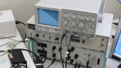 Controlador do microscópio de força atômica e tunelamento - Foto: Pedro Bolle / USP Imagens