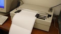Impressora em braile do Projeto Saci. Foto: Marcos Santos/ USP Imagens